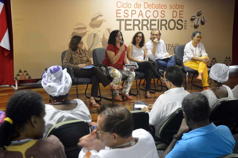 Ciclo de Debates Sobre Espaços de Terreiros 2014 - ft. Lazaro Menezes (35)